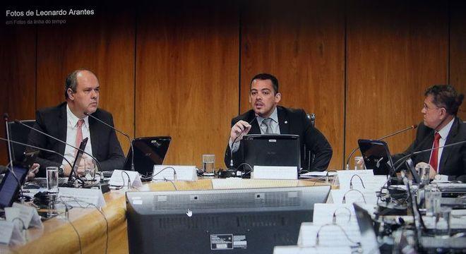 Leonardo Arantes (c) é secretário-executivo do Ministério do Trabalho