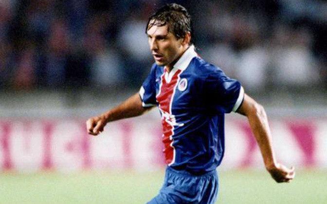 Leonardo atuou entre 1996 e 1997 no PSG. São 44 jogos, 10 gols e 9 assistências. Ele não conquistou títulos.