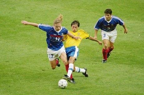 Leonardo era o revoltado com venda da Copa 1998