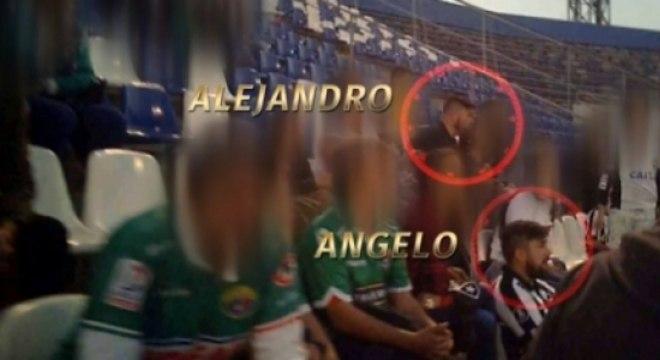 Imagem dos dois irmãos presentes no estádio no Chile