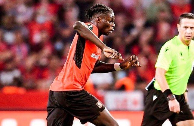 Lesley Ugochukwu (França) - Clube: Rennes (França) - Posição: Meio-campista