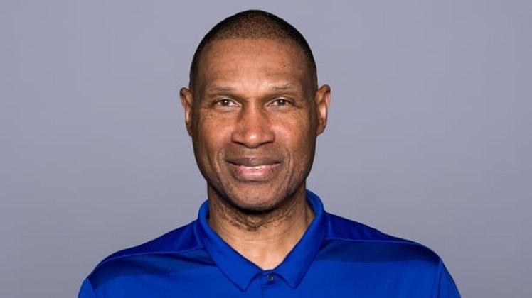 Leslie Frazier – Coordenador defensivo do Buffalo Bills: Teve uma experiência frustrada como head coach na NFL, mas é o comandante de um agressivo setor defensivo dos Bills.