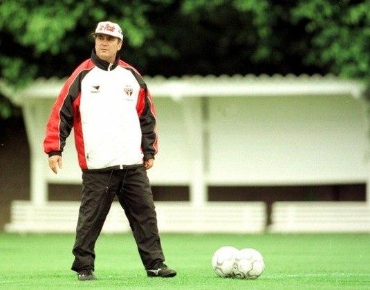 Levir Culpi - Em 2000, Levir foi técnico do São Paulo, onde foi campeão paulista em 2000 e vice da Copa do Brasil.
