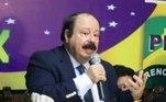 Levy Fidelix (PRTB)O empresário, jornalista e publicitário Levy Fidelix é o candidato a prefeito de São Paulo pelo Partido Renovador Trabalhista Brasileiro, partido do qual é presidente nacional desde 1994. Nascido em Mutum (MG), candidatou-se duas vezes ao cargo de governador de São Paulo, em 1998 e 2002, e à presidência da República, em 2010 e 2014, mas não obteve votações expressivas. O principal símbolo das últimas campanhas de Fidelix foi o Aerotrem, projeto de uma estrutura de trem suspenso no ar que, segundo ele, seria de grande eficácia para solucionar o problema do trânsito nas grandes capitais do país