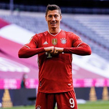 Robert Lewandowski, artilheiro do Bayern de Munique, é o 4º colocado da lista, com 535 tentos marcados. O polonês vive grande fase e foi premiado como melhor jogador do mundo na última temporada pela Fifa e também pela revista francesa France Football, dona do prêmio mais tradicional no mundo do futebol, o Ballon d'Or