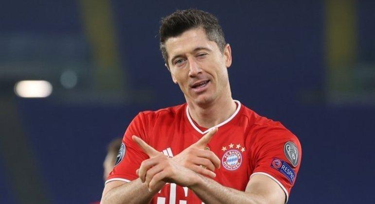 Lewandowski, o autor do primeiro dos quatro tentos do Bayern sobre a Lazio, em Roma