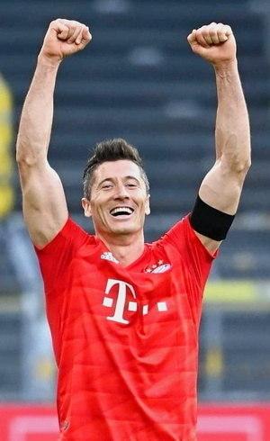 Lewandowski brilha pelo Bayern