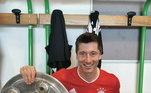 Desde que chegou no Bayern, Lewandowski não sabe o que é perder um título do Campeonato Alemão. São seis troféus com a equipe. Ele ainda estava na campanha vitoriosa do Borussia Dortmund de 2010/2011 e 2011/2012. Assim ele tem incríveis oito troféus nos últimos dez anos