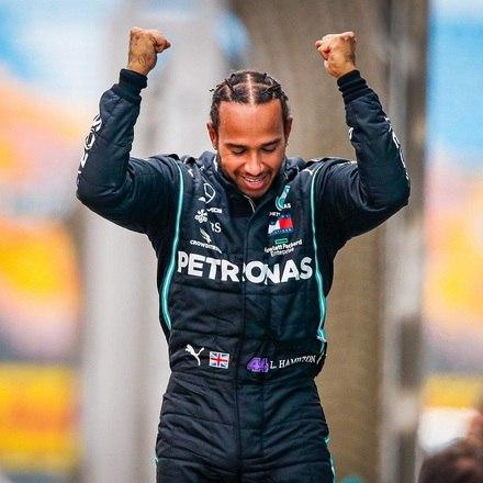 1ºLewis Hamilton (Inglaterra) - Mercedes - £ 40 mi (quase R$ 300 mi)