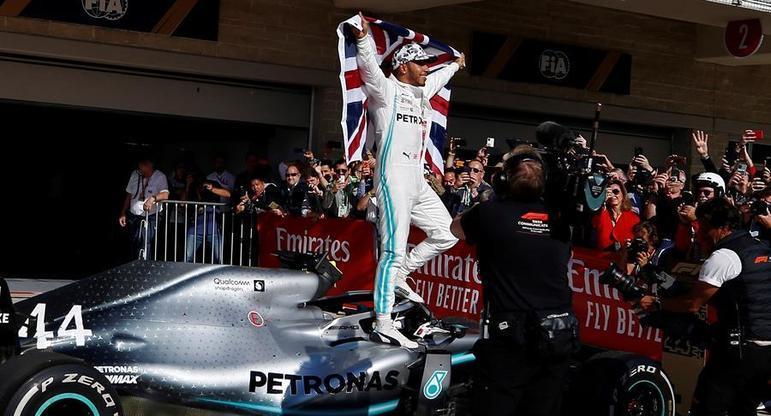 Voltas na liderançaLiderar corridas é a especialidade de Hamilton. O inglês esteve à frente por 5.174 voltas ao longo de sua carreira