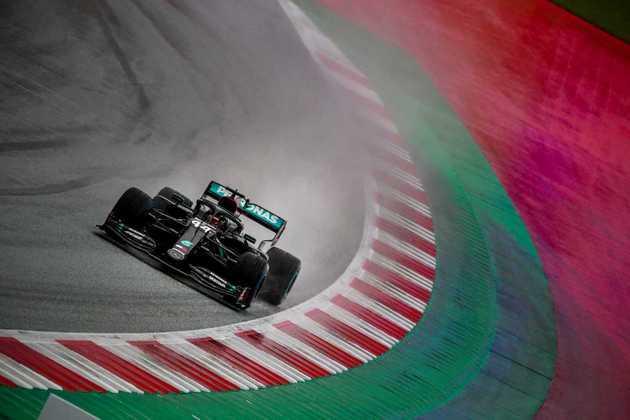Lewis Hamilton assegurou a pole-position com folga no GP da Estíria