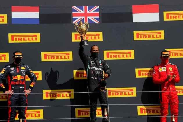 Lewis Hamilton celebrou a vitória no GP da Inglaterra 2020