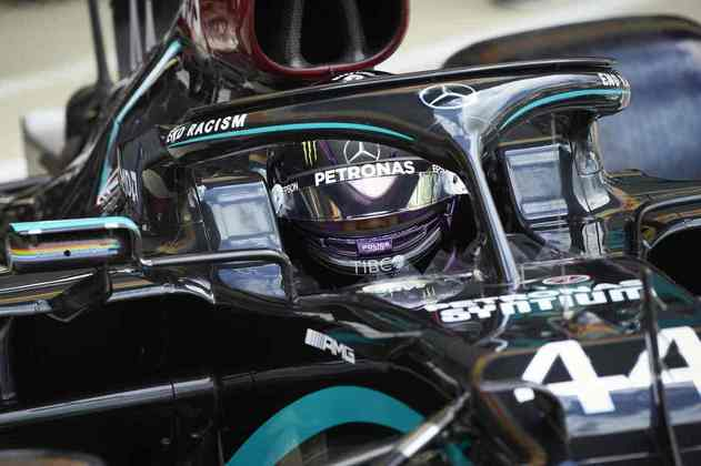 Lewis Hamilton chegou a rodar no Q2 e causou uma bandeira vermelha na sessão