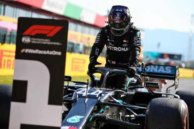 Lewis Hamilton conquistou a 95ª pole position na carreira