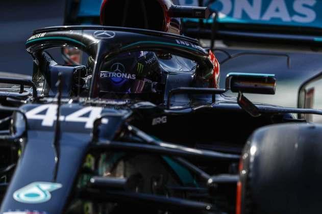 Lewis Hamilton em ação nos primeiros treinos livres para o GP da Toscana