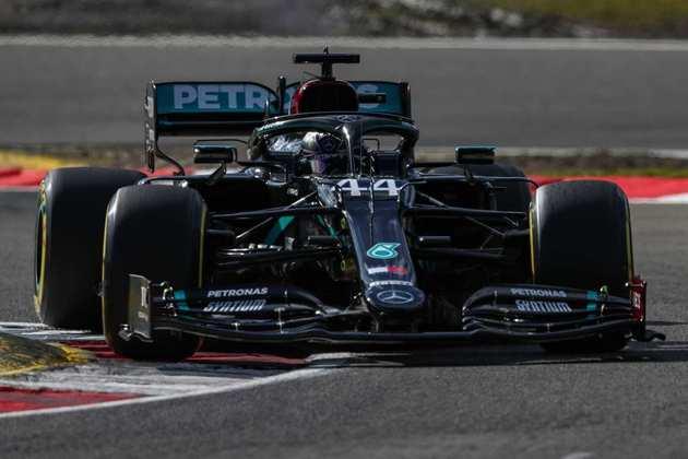Lewis Hamilton era favorito para a pole, mas ficou em segundo