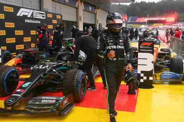 Lewis Hamilton fez a 89ª pole da carreira