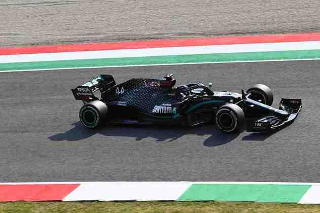 Lewis Hamilton foi o segundo mais rápido do dia em Mugello