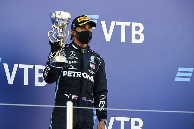 Lewis Hamilton foi o terceiro colocado em Sóchi após sofrer duas punições