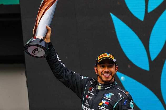 Lewis Hamilton igualou o número de títulos de Michael Schumacher: sete