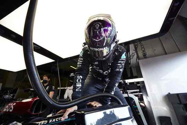 Lewis Hamilton larga na segunda posição no GP da Emília-Romanha