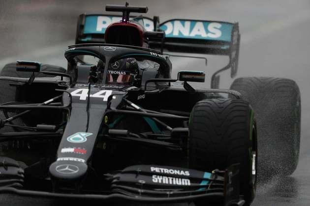 Lewis Hamilton não marcou tempo no TL2