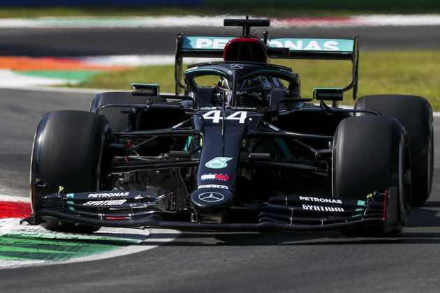 Lewis Hamilton, o mais rápido da sexta-feira de treinos livres em Monza