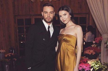 Liam e a modelo Maya estão noivos