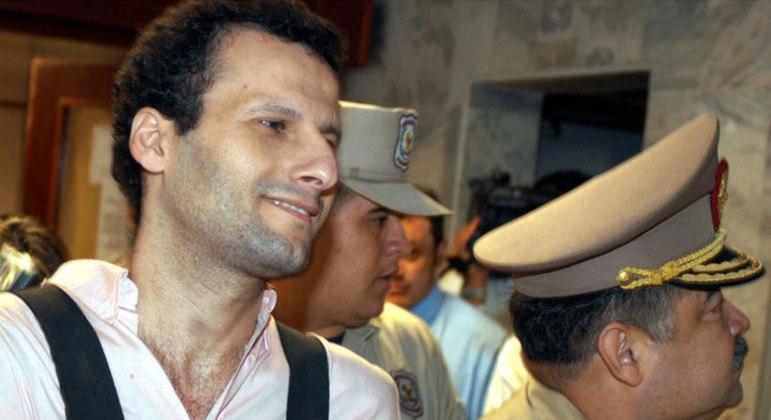 Em 2003, após solicitação do Paraguai, Barakat foi extraditado pelo Brasil ao país vizinho