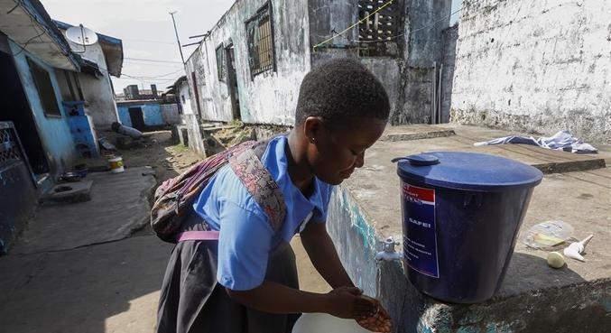 Ainda sem casos, a Libéria fez campanha para incentivar a higienização das mãos
