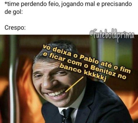 Libertadores da América: Benítez fica no banco, São Paulo é eliminado pelo Palmeiras, e torcedores fazem memes com a situação.