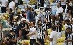 Ao todo, quase 5 mil pessoas estiveram no Maracanã