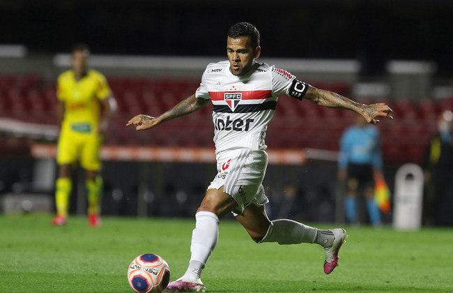 LIBERTADORES - SÃO PAULO - Fechando o G-6 com nove votos, o São Paulo ficará no G6 do Brasileirão e também se classificará para a Libertadores por meio do Campeonato Brasileiro segundo a redação do LANCE!.