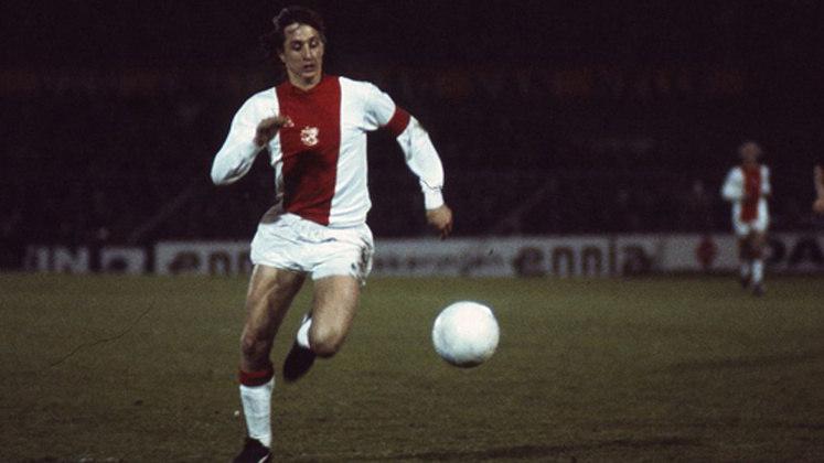 Liderado pelo craque Johan Cruyff, o Ajax conseguiu 26 partidas consecutivas com vitórias, sendo 19 no Campeonato Holandês, quatro na Uefa Champions League e três na Copa da Holanda. Naquela temporada, o Ajax foi campeão da Champions League, Mundial de Clubes e o Campeonato Holandês