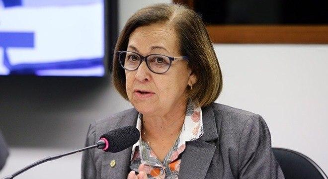 Na imagem, deputada Lídice da Mata (PSB-BA), relatora da CPMI das Fake News