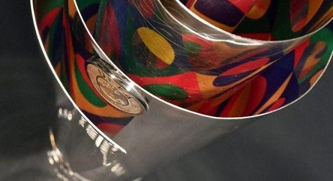 Detalhe do belíssimo troféu da Liga das Nações