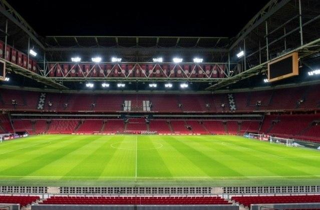 Ligas como a da Holanda (na foto, o estádio do Ajax), Chipre e Luxemburgo tiveram suas respectivas competições encerradas sem campeões ou rebaixados declarados