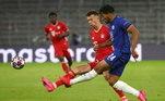 Após receber passe,Callum Hudson-Odoi chegou a diminuir o placar para o Chelsea, mas na revisão do VAR, o gol foi anulado