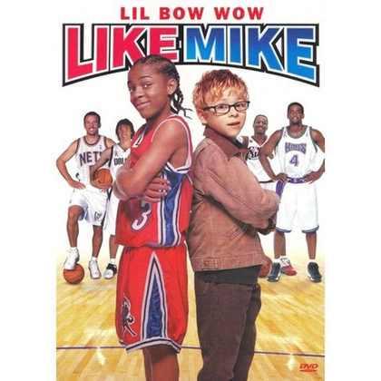 """Like Mike (Calvin Cambridge (Shad """"Bow Wow"""" Moss) é um garoto de 14 anos que é apaixonado por basquete. Ele mora em um orfanato e, em um dia, encontra um tênis que poderia ter sido usado por Michael Jordan. Então, ele ganha uma promoção para bater bola contra o astro do time, Tracy Raynolds (Morris Chesnut) e utiliza o tênis para ganhar vaga no elenco"""