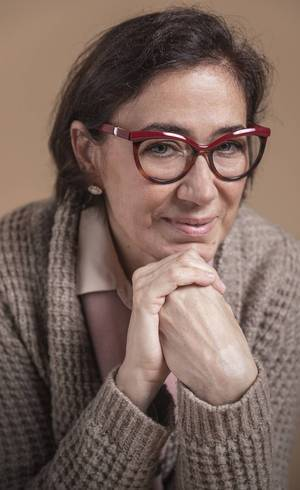 Lília Cabral emenda reprises da Globo