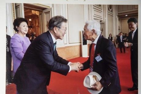 Em 2018, Lim Kwan Taik conheceu presidente sul-coreano