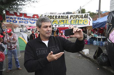 Petista ia para o Rio quando foi descoberto no voo