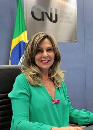 Lindôra Araújo