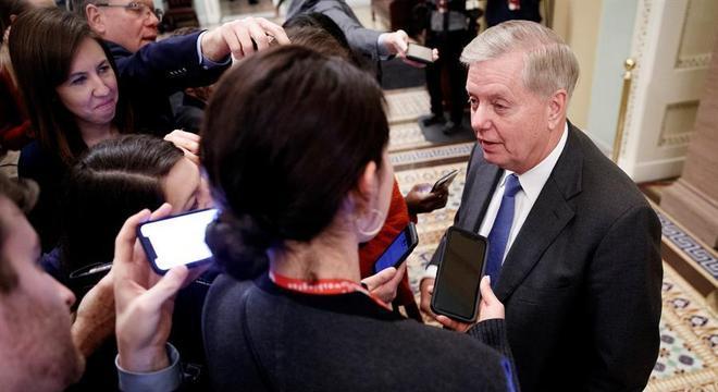 Senador republicano Lindsey Graham fala após votação no Senado dos EUA
