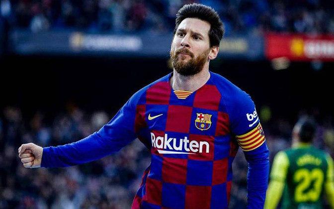 Lionel Messi anunciou sua permanência no Barcelona até a próxima temporada. Em entrevista ao