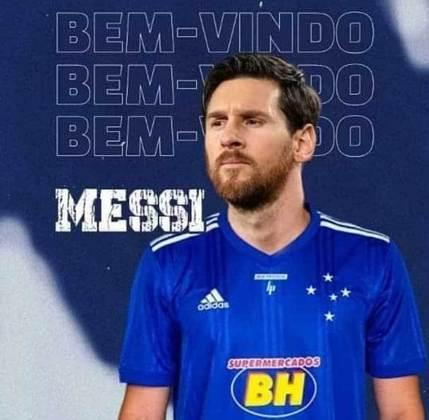 Lionel Messi com a camisa do Cruzeiro