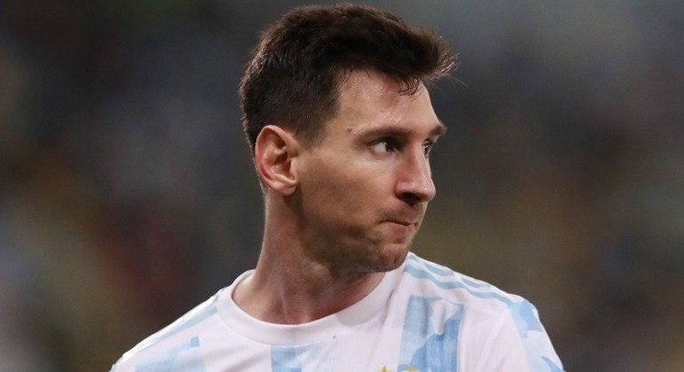 Messi está muito perto de assinar com o PSG até 2023 e com salário de R$ 154 milhões