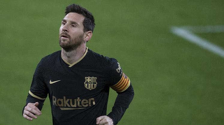 Lionel Messi foi considerado o jogador de futebol mais bem pago no ano de 2020. Segundo informações da Forbes, o argentino recebe um salário anual de 92 milhões de euros (R$ 586,96 milhões). O prêmio da Mega da Virada conseguiria ser usado para pagar o salário de Messi por apenas um semestre. Será que ele teria espaço no seu time?