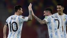 Messi ganha mimos de colegas da Argentina em seu aniversário