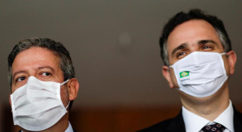 Presidentes da Câmara e do Senado embarcaram para a Itália na terça-feira (5)